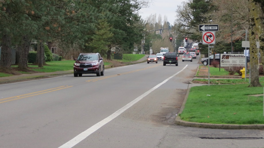 Beaverton road with disappearing bike lane