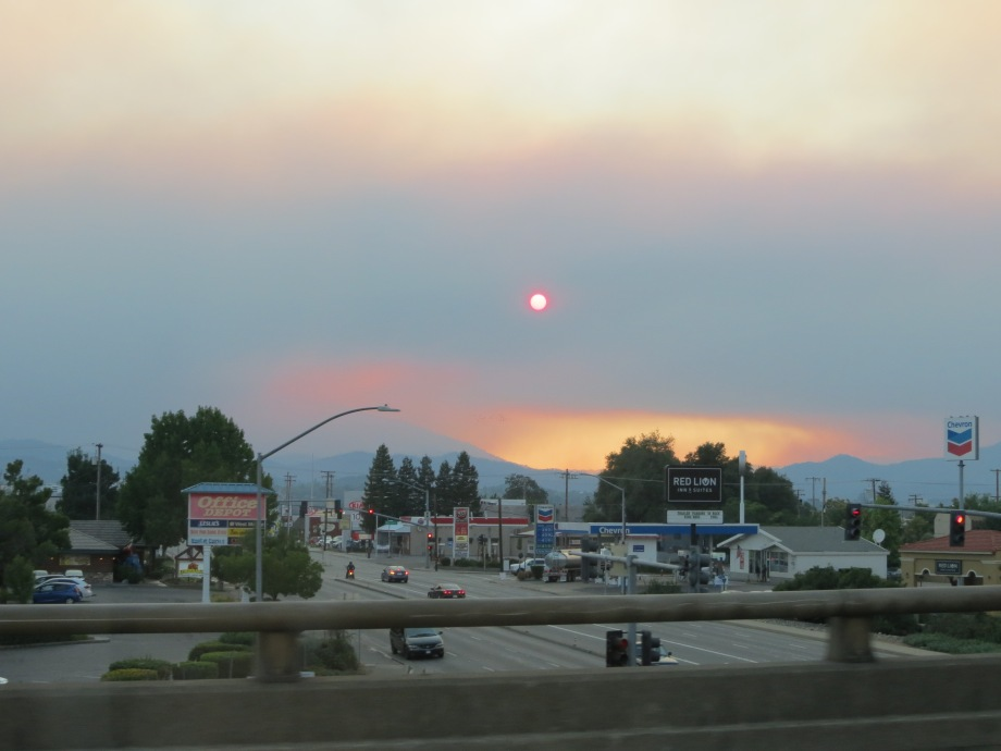Smoky sunset in northern California. © Naomi Fast 2018