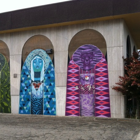 the same mural, closer up with the cars cut out