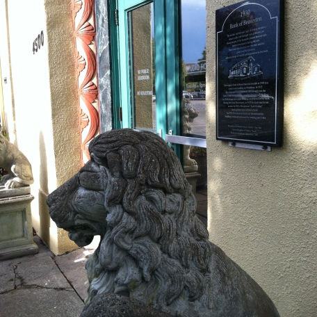 Lion statue by 1930 Bank of Beaverton